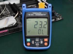 温度測定に用いたデジタル温度計TENMARS TM-363