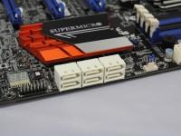 SATA 6Gbpsポート。右端の2ポートは「ASM1061」、残り4ポートは「Intel Z97」にそれぞれ接続。