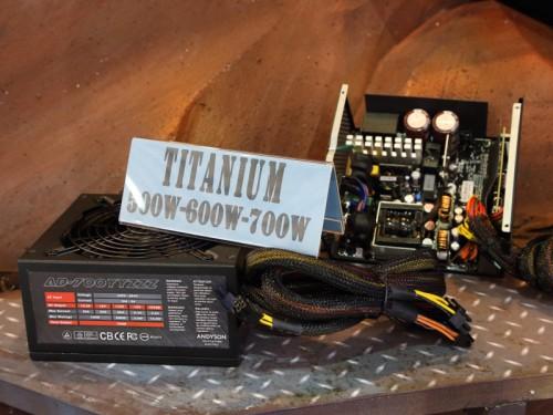 日本では見かけないANDYSONという電源メーカーの80PLUS TITANIUM認証電源。