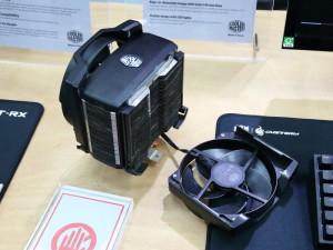 CoolerMasterの「MASTERAIR MAKER」では、ファンを上からスライドして取り付ける機構を採用。ケース内でのファン着脱が容易になることが期待できる。